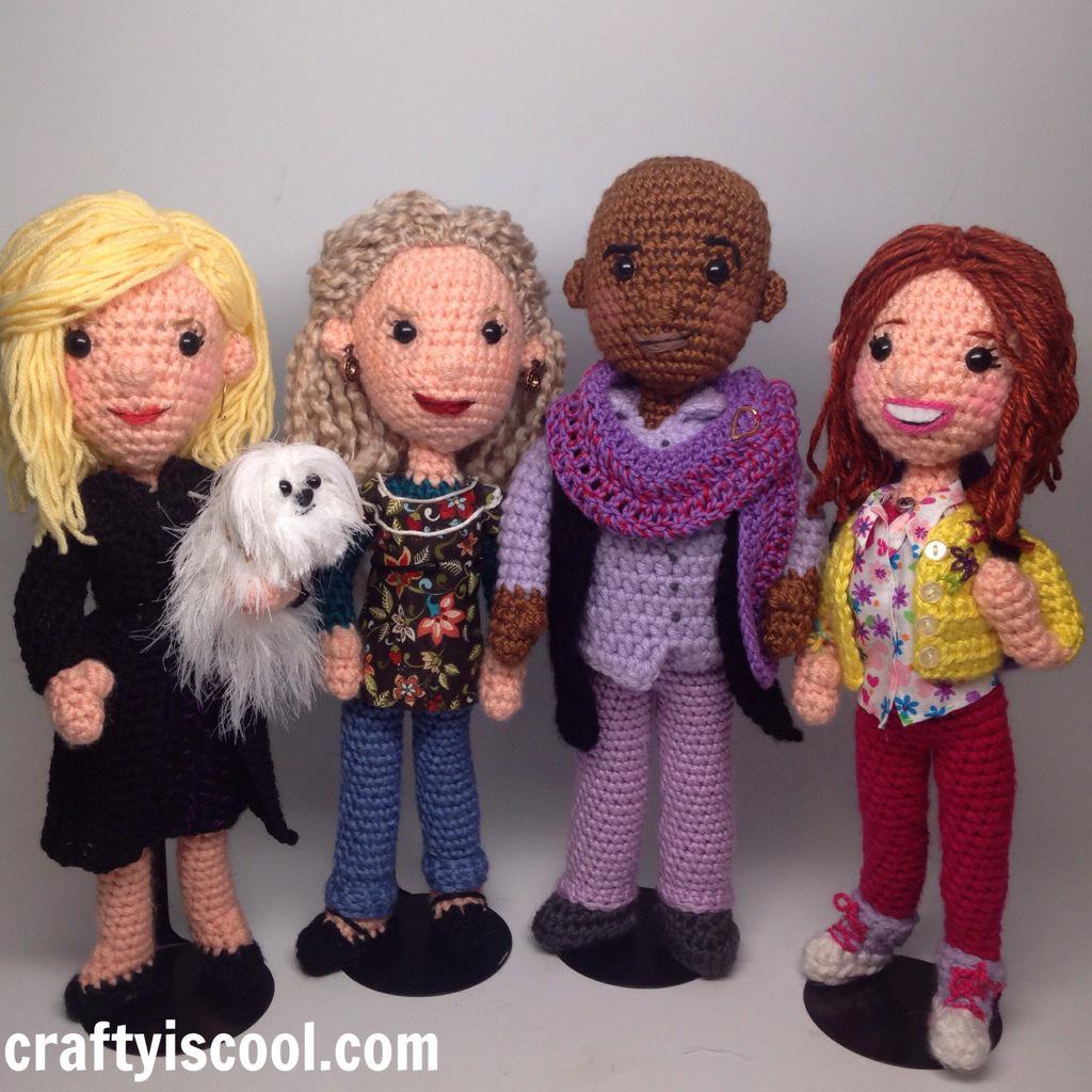 #janekrakowski (with her dog), #carolkane, @TitussBurgess, & #elliekemper in crochet cast of @TheKimmySchmidt ❤️ http://t.co/1tlVzGks0S