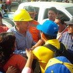 Alcalde de Lima llega a Santa Eulalia. Es la primera autoridad en llegar a la zona. http://t.co/0H7XdCgAU0