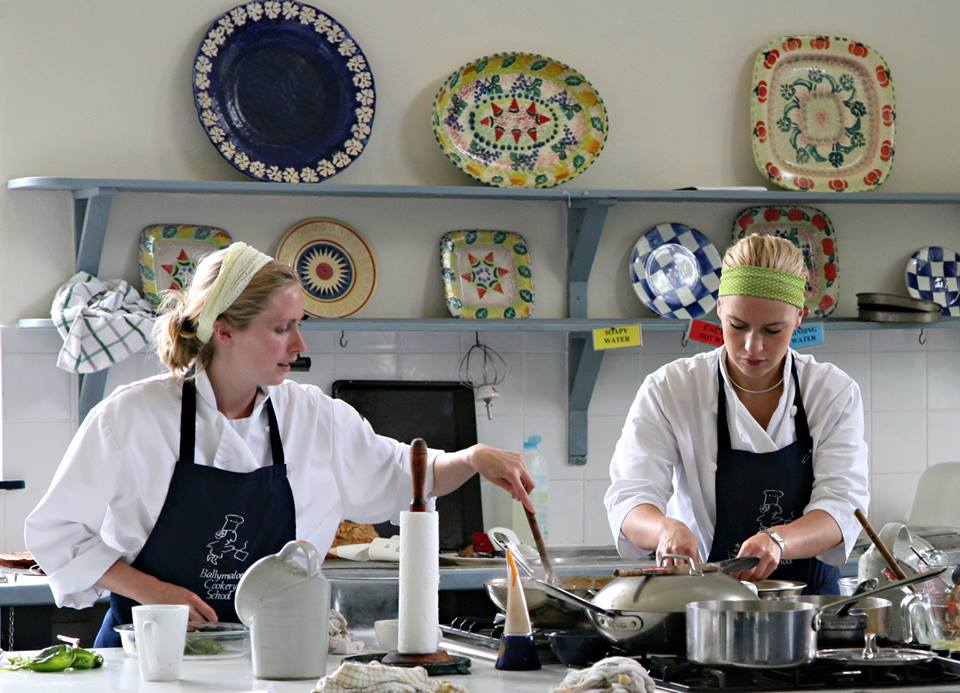#COMPETITION TIME!!! Win Cookery Demonstration, & lunch for 2 people at @BallymaloeCS School http://t.co/L2DLjOoPsI http://t.co/IwXbsbbaP9