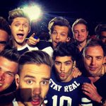 """""""@QueenIrwieBee: #LETSBUYONEDIRECTION RT GUYS WE HAVE TO SAVE OUR BAND http://t.co/kb6HKV3Jgf""""❤️"""