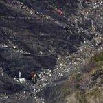 Tragedia de Los Alpes franceses: los investigadores creen que el copiloto estrelló el avión… http://t.co/bZQz25EfnZ http://t.co/3Yom40CC4l
