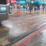 Precaucion Rioja y Junin, arena desparramada, por la lluvia esta muy resbaladiza la calle @radio_dos @diarioepoca http://t.co/P7PgkpgVRX