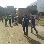 Jefe del @SIS_PERU @PEDROGRILLOROJA en #Chosica en campaña de afiliación en zonas afectadas por el huaico http://t.co/7jIIcct9u7
