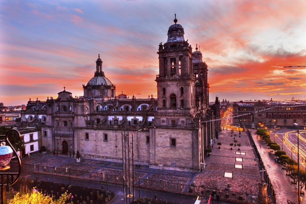 Fácil como SMF. Nonstop service to Mexico City on @AeroMexico_com begins 4/6.