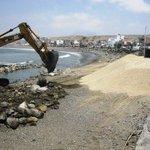 Colocan piedras y arena por un valor de S/.150 mil en mar de #Huanchaco http://t.co/FM9CaK6Y5y http://t.co/k4oNVX87xt