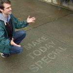 Street artist makes sidewalk rain magic http://t.co/765CEcPxvR http://t.co/S2POLlOZBT