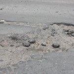 Мэрия Ярославля отремонтирует ямы на дорогах, по которым поедет Медведев #Ярославль http://t.co/t1ZrsTSfsI http://t.co/Fq9uaaYg0a