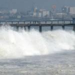 Restringen el acceso a las playas de la #CostaVerde por oleaje anómalo. http://t.co/8hnpETE0On http://t.co/K1MMlYQ1Sn