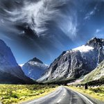 The drive to Milford Sound is absolutely breathtaking! #nzmustdo @purenewzealand http://t.co/YxFHH0Qe2m