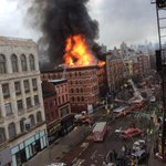 AHORA: Explosión en edificio de Nueva York. Hay al menos 30 heridos @T13 http://t.co/AS0OiNdDJ5