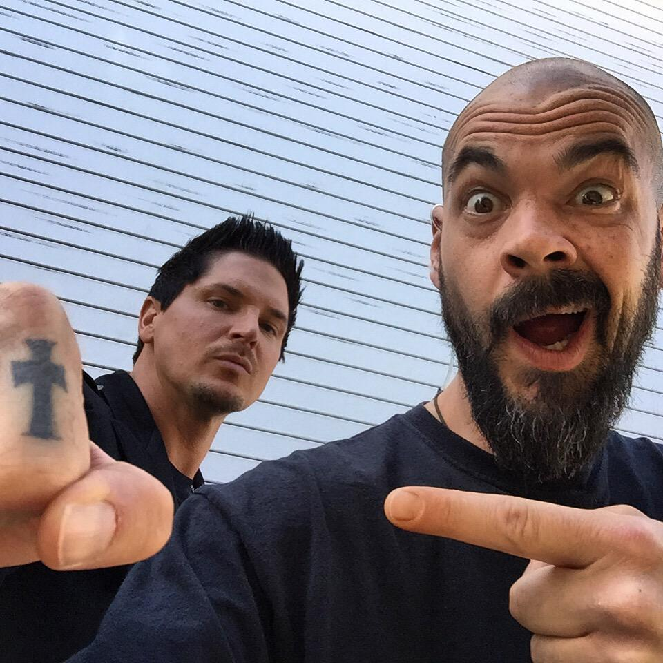 Chilling out with @Zak_Bagans during #GAaftershocks breaks http://t.co/1zRiEwy1Yu