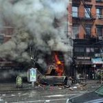 An explosion rocks heavily travelled section of New York City and injuries have been reported. http://t.co/KwgHOkuf1o http://t.co/T1iPbEpXFm