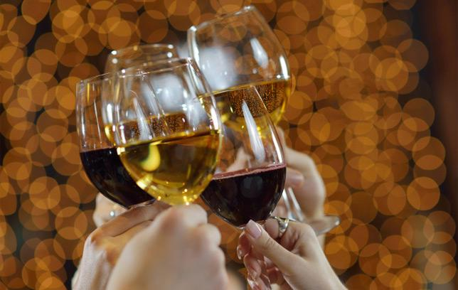 HEALTH: The weird health benefit of drinking wine: http://t.co/slM6oCL5DQ http://t.co/k9SxovAz5f #health