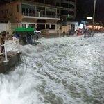 Marea alta en salinas http://t.co/GYa10a4r7p