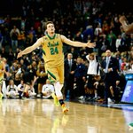 Notre Dame leads Wichita State, 33-30. Pat Connaughton leads Fighting Irish with 9 points, 7 rebounds. http://t.co/XVGY9Cwxo8