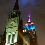 Empire State building looking beautiful on this rainy evening #NYC @EverythingNYC @EmpireStateBldg http://t.co/vzOzFJ97KD
