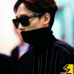 [PREVIEW] 150327 Chen- Incheon Airport depature cr. Kim Oppa/In front of Chen http://t.co/bMzP3vRWNi