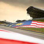 Sepang, the home of the #MalaysiaGP can host up to 130,000 fans. That's one mega stadium circuit. #SAPRaceSmart http://t.co/CH8rxuOUrp