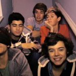 I really want the boys to do one last video diary all 5 of them on the stairs again #CarrotForANight http://t.co/e7BgchREjm