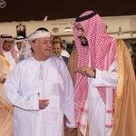 #الرئيس_اليمني يصل الرياض في طريقه إلى شرم الشيخ استقبله وزير الدفاع الأمير محمد بن سلمان فور وصوله إلى العاصمة #كعام http://t.co/E4Ki7aZFiR