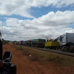 Huge traffic build-up at Salama on Mombasa road leading to Sultan Hamud where residents have blocked the road http://t.co/ykyGKx1oro