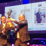 Eric van Schagen haalt @BOVEINDHOVEN Trofee 2015 binnen met @SimacICT #Brainport http://t.co/nlnDj80rV5 http://t.co/SKKTm2K8d4