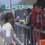 Fernando Alonso says hello to some old friends at @ScuderiaFerrari before #FP2 #MalaysiaGP #F1inMalaysia http://t.co/Miwse0iw6F