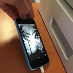 Jai trouvé cet iPhone bleu Quai Louis Blériot ce matin ... http://t.co/h24DeCufca