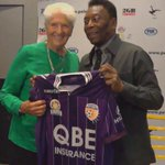 BREAKING | Glorys no1 ticket holder Dawn Fraser presents @pele a club strip!   #KingofFootball #NOTGIVINGIN http://t.co/PZSGurR8We