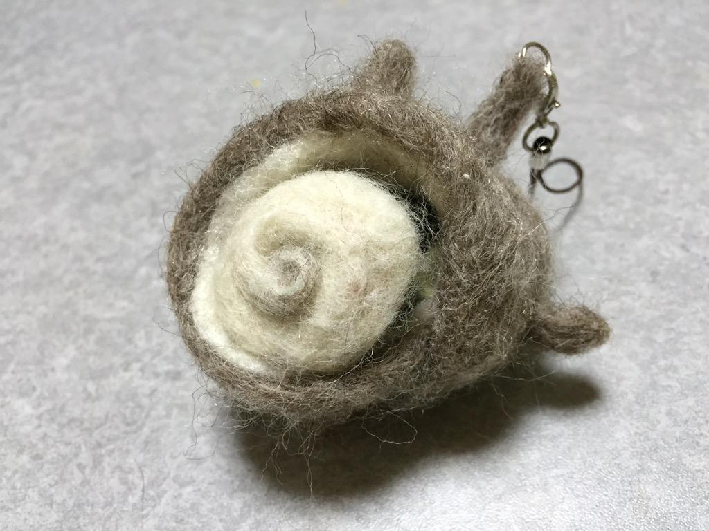 羊毛フェルト  サザエ  無論、身が出ます。 http://t.co/zsLtAOOTTb