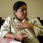 Dilma deve se proteger de Eduardo Cunha, diz pai de santo no Planalto http://t.co/JpemWJ9YOs http://t.co/PHPLxQyMth