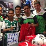 ¡Listas las compras de nuestro #Guerrero Eduardo! #GuerrerosMásQueNunca http://t.co/4nNCmFAkLT