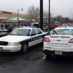 Pentagon Centre Mall Evacuated Due to Bomb Threat http://t.co/L2BFSS61vt #DC http://t.co/Ke6pR7XF3w