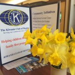 Get your charity on at @CornwallCentre and support @Kiwanis Regina by picking up some daffodils today 9:30-6 #yqr http://t.co/kTTSutNU6l