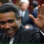 Asi se despide quien ha roto todos los récord de corrupción de este pais. #DespiertaPais http://t.co/QRusB353MQ