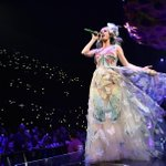 """Meerkat and Periscope for concerts? Katy Perry says """"embrace the future."""" http://t.co/o7sxibzsaH #Perryscope http://t.co/cMcvVtq5T5"""