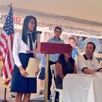 Carolina agradece en nombre de 900 alumnos/as a todos los involucrados en hacer posible su nueva escuela http://t.co/3yP4ChQqIy