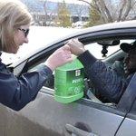 At the @UofRegina! Students love free stuff & we love safe drivers! #yqr #OperationWiperDrive http://t.co/jLxsiQ8g5c