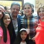 La Familia Crespo recibe con alegría al próximo presidente @LeonelFernandez @LuisToralC. http://t.co/ARSKoukgWA