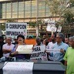 Ciudadanas y ciudadanos condenan el fallo a favor de Félix Bautista. Vigilia frente a la Suprema Corte http://t.co/vIV4c940VO