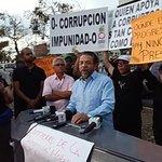 Se integra @MorenoGuillermo a la vigilia contra la impunidad en la Suprema Corte de Justicia http://t.co/uY2saJ8ZzC