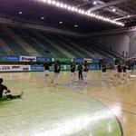 En 20 minutos comienza @InterMovistar @Santiago_Futsal Siguelo en directo @En_PistaFM y http://t.co/OFobIxb490 http://t.co/gDKjWhjlG6