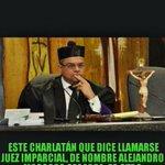 De lincuente charlatan!! Alejandro moscoso segarra #vivaRD http://t.co/HKGfnyduKW