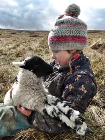 Only got eyes for ewe. 😍 http://t.co/T5ZoAjWbIo