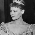 RT @HistoryInPics: A much younger 'M' from James Bond, (Judi dench) 1957.