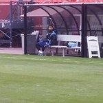 """Messi entrenando duro para buscar dejar la marca que le hará """"El Perro"""" Renderos http://t.co/UP2KDYfa1e"""