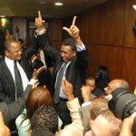 Esta imagen, es más elocuente que mil palabras, significa una burla y un desafío a la sociedad dominicana. http://t.co/hffEmSBNmy