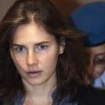 Amanda Knoxs murder conviction was overturned by an Italian court: http://t.co/bMDY4lgPe5 http://t.co/TUKkiMdYeU