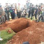 Disinilah nantinya jenazah Alm. Olga Syahputra akan dimakamkan. Nantikan update terkini dari kami. #RIPOlgaSyahputra http://t.co/bF22fsXdFT