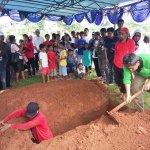 Persiapan di Makam Olga Syahputra http://t.co/pAc0BJix24 http://t.co/sBkoms6UAR